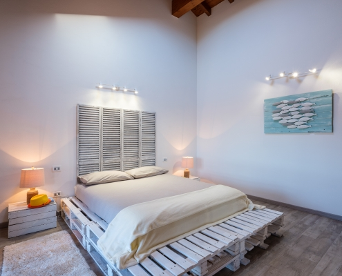 The White House On Lake Maggiore (TWHOLM) - Master Bedroom with Ensuite Bathroom