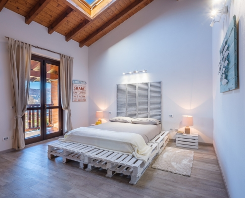 The White House On Lake Maggiore (TWHOLM) - Master Bedroom