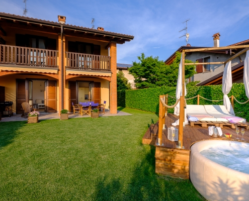 TWHOLM - The White House On Lake Maggiore - Jacuzzi garden and villa